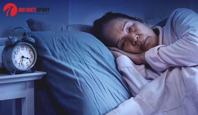 Cách massage bấm huyệt giúp ngủ ngon