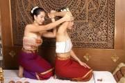 Massage Thái cổ truyền của Thái Lan