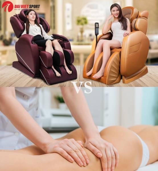 So sánh ghế massage toàn thân và người mát xa