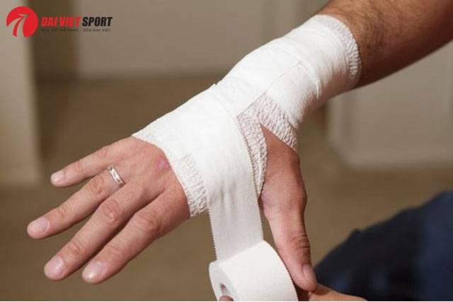 Xử trí và điều trị khi gãy xương thuyền cổ tay